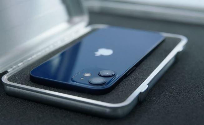 Daftar Smartphone terbaik untuk dibeli di Tahun 2021 Apple iPhone 12 Mini